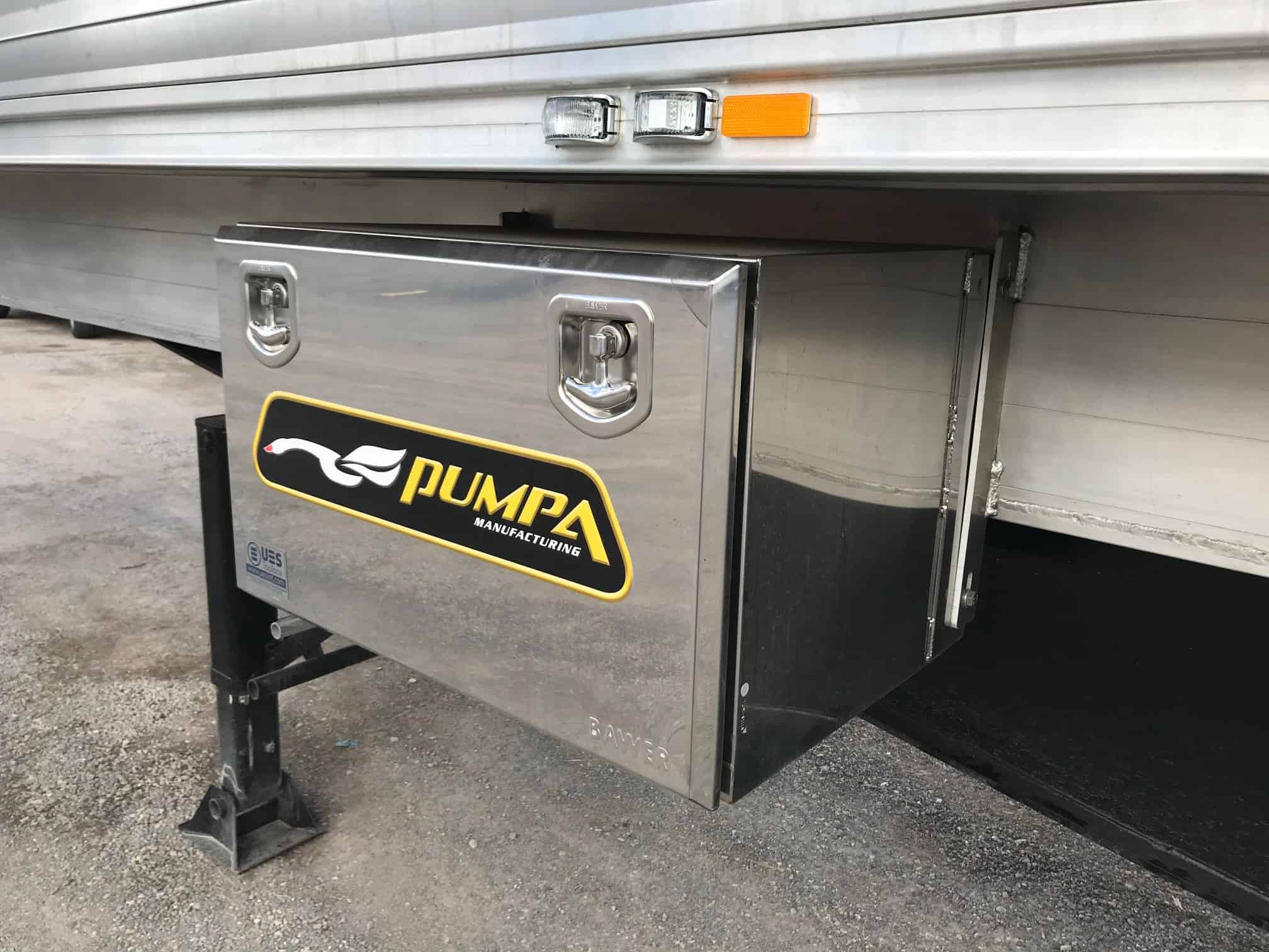 PUMPA Manufacturing Stainless Steel toolbox 800L x 500H x500W comes with 2x T-Locks
